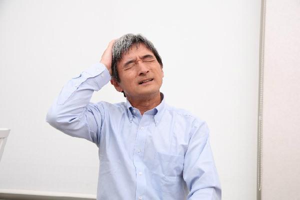 白髪によるストレスを軽減する5つの方法
